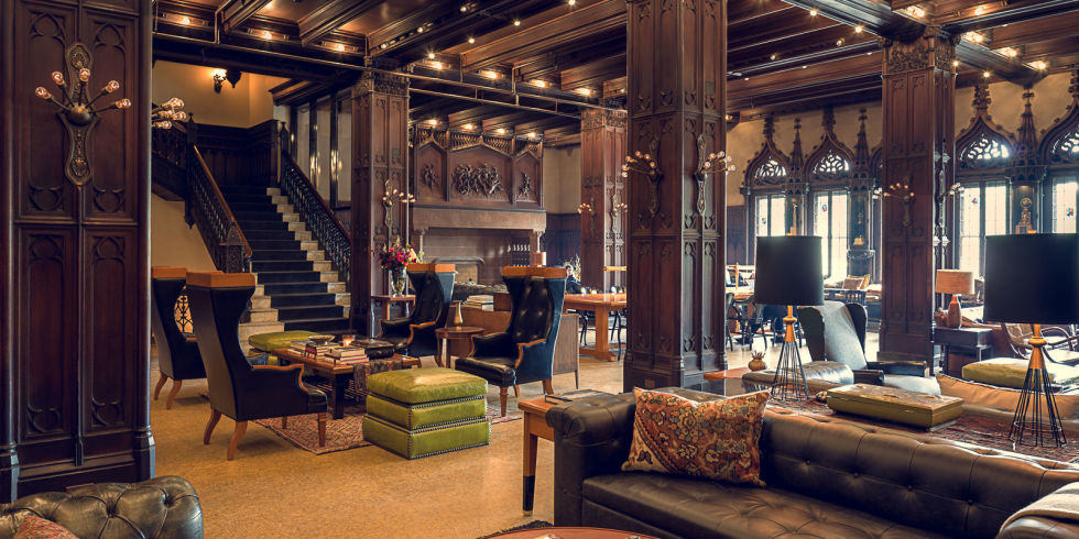 • Chicago Athletic Association